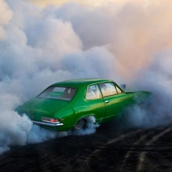 Amazing Burnouts series by Australian photographer Simon Davidson