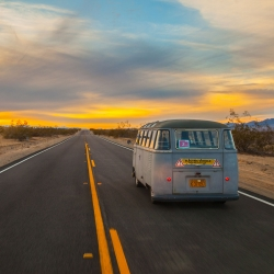 The Electric Samba project goes on a long road trip to Lake Havasu with Tesla battery pack to extend the travel range, in this DIY home made Volkswagen.