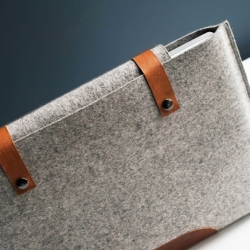 Beautiful felt sleeves for MacBooks, iPods and iPhone by Byrd & Belle.