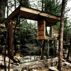 Dan Hisel projected and built himself The Cadyville Sauna which was designed and constructed along the Saranac River in upstate New York.