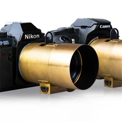 The original Petzval lens was invented in 1840 and has now been reinvented for Canon EF and Nikon F (D)SLR.