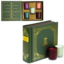 D.L. & Co. holiday packaging is beautiful! Bound in a book case, their candle gift sets hold 5 candles in various collections