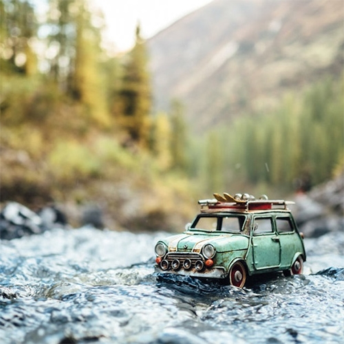 Traveling Cars Adventures – tiny toy cars in dramatic situations captured by Kim Leuenberger.