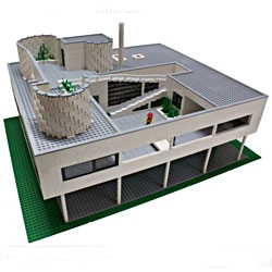 Le Corbusier - Villa Savoye. My first serious architectural LEGO model.