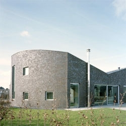 Bureau B+O designed this retro-classical house, that blends with the urban context of Hoogeveen in the Netherlands.