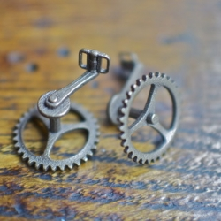 Cycle in style with 3D printed Bicycle Cufflinks by Gotham Smith
