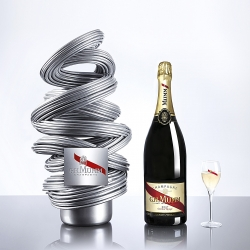 MUMM 3D is a collector packaging designed by Renato Montagner for G.H.Mumm...