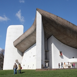 Discover the work of Corbusier, through the Chapel of Ronchamp, unique religious building by its form and its will of dialogue between monk and architecture.
