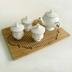 Over a Cup of Tea by Charlotte van der Laan. A reflection of multicultural awareness within the domestic environment.