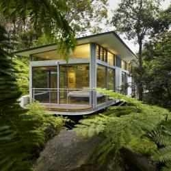 Utz-Sanby Architects have designed this house in the Church Point suburb of Sydney, Australia.