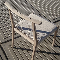 Clo is a chair designed by Yonoh, made of beech and cotton rope of 6mm thick. The chair is inspired by Japanese traditions, especially Jomon pottery, an old style that used ropes to decorate their surfaces.