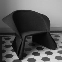 Swedish designer Fredrik Färg has created the COAT easy chair, to be produced by Materia. Inspired by gentlemen's fashion, the back of the armchair is shaped like a collar.