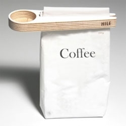 Kupu Coffee Scoop and Bag Closer designed by Teemu Karhunen