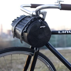 The handmade Collina Strada Bike Bag.