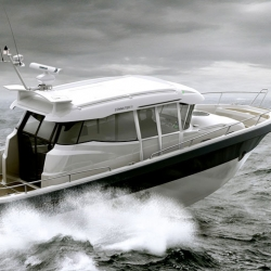 Summer is almost here and what can be better than cruising around in a Askeladden Commuter 11!?! Commuter 11 is like a SUV of the seas. The design of the boat is a co-operation between Askeladden and the design studio Inventas.