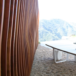 Ilan Dei Studio has recently completed a 45′ sculptural wall for a private residence in Los Angeles. The wall is inspired by the topography of the canyon that the property sits on and the corresponding view of the Pacific Ocean.