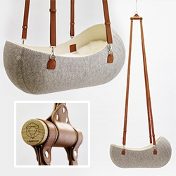 O-bjekt Design Felt Cradle - beautiful details