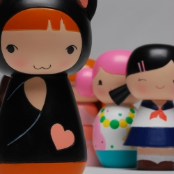 Award winning manga artist Joanna Zhou has created this collection of 6 dolls for Momiji. Available from October from firebox.com and Topshop Oxford Circus. Each doll is packaged in its own gorgeous tin.