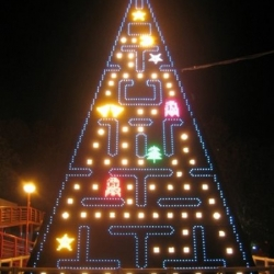 Sometimes, the conventional Christmas tree just doesn't cut it. Here's a few unusual Christmas tree ideas for inspiration.
