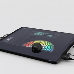 Cue made of a software-hardware combo turns your laptop into a complete VJ system. The Main features are a 15,4″ Touchscreen and a linear moving Knob-fader.