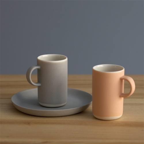 Lokal Helsinki has the cutest little espresso cups (and cappuccino cups) by ceramics artist Nathalie Lahdenmäki