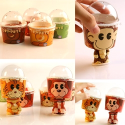 junfei176's Cuppets are an interesting twist to the usual ice cream cup ~ they turn into bobble headed puppets!