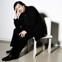 Interview with Shigeru Ban. The Finnish manufacturer Artek presented the new '10-unit system' (#21751) by the Japanese arcitect. We had the pleasure to meet Shigeru Ban in Milan...