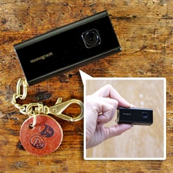 Ultra portable, square format POCKET DIGITAL CAMERA Sq30M Piano Black (limited edition) just released in Japan.