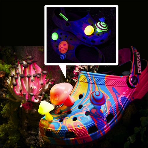 Diplo x Crocs - for the mushroom lovers! While i never imagined posting anything Crocs, here we are. The illuminating mushroom Jibbitz charms are too funny...