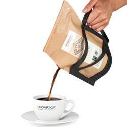 Coffeebrewer is a disposable French press made with a pouch that has 26 grams of ground specialty coffee inside. Just add a 1/2 Litre of water and wait 5-8 min.