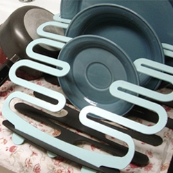 Splat Collapsible dish rack ~ Jill Davis Design