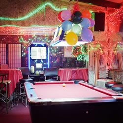 Matthew Scott, has assembled a collection of beautifully warm and charming images of dive bars, entitled 'Last Call... Portrait of a Dive Bar'