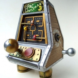 This amazingly intricate retro steampunk Pac-Gentleman arcade toy was created by artist/sculptor Doktor A for Spookypop.