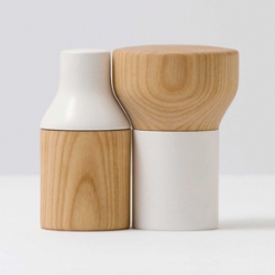 Salt and pepper have to be on the table; together. The salt and pepper mills Doublefacette complement one another both in a functional and in a formal way. By Postfossil