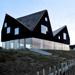 Jarmund/Vigsnæs Arkitekter designed the stunning Dune house in Thorpeness, Suffolk, England.