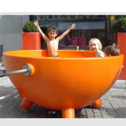 these dutch tubs are cute, fun and resemble giant milk coffee bowls.  and they totally remind me of disneyland.