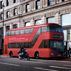 British designer Thomas Heatherwick has co-designed the replacement for London's iconic Routemaster bus, mayor Boris Johnson and Transport for London announced this morning.