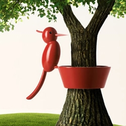 E-my is a new collection from Italian brand Guzzini. They design many playful objects for the kitchen and home.