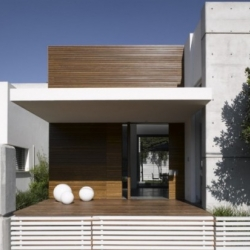 Beautiful Minimalist house by Axelrod Architecture in Tel-Aviv.