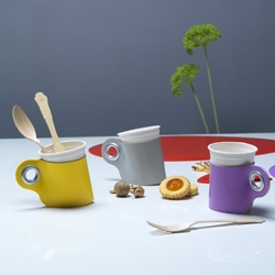 Easy Cup is a PVC glassholder created to transform ordinary PET glasses in soft and chic cups! by Zpstudio, Italy.