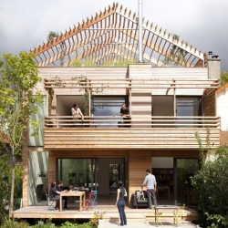 Sustainable Parisian Eco-House  with flexible layout
