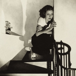 A retrospective exhibition of photographer Edward Steichen at the ICP looks to the pages of Vogue and Vanity Fair for a look at high style and fashion of the 1920s and 30s...