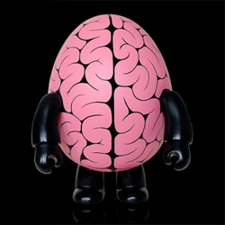 Making of the adorable Brain Pattern Egg Qee - hand painted by Emilio Garcia