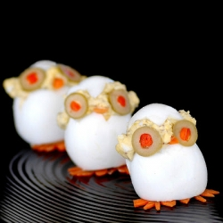 Savoring Time In The Kitchen has a recipe for adorable Devilish CHICKS! Quite the twist on deviled eggs!