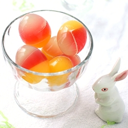 Jellied Easter Surprise Eggs - Peel open the shell of the egg to find these treasures inside. Great project to do with kids.
