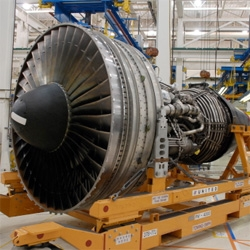 Cnet's Cutting Edge takes a peek inside the United Airlines Engine Shop!