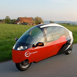 Zerotracer is a fully-enclosed electric motorcycle by DesignWerk.