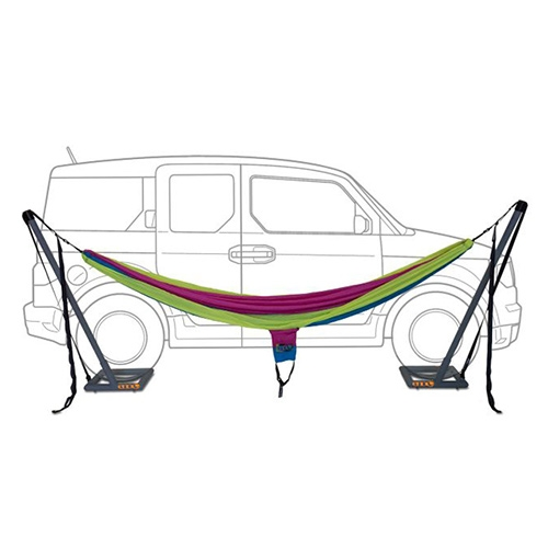 The ENO Roadie Car Stand - a brilliant solution to hammock hanging when you have just a car (and no trees?) Just park the car over the stands!