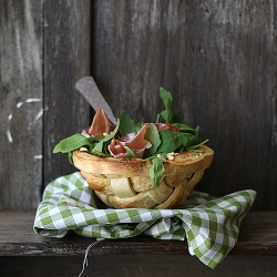 Edible Salad Bowl: arugula, iberian ham and pinenuts served in a pastry bowl