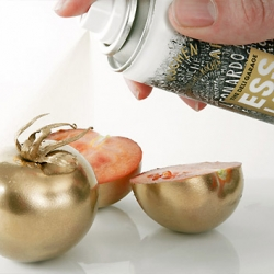 Esslack Food Spray from The Deli Garage. Fresh spray cans full of edible silver and gold paint, lets your food goes from ordinary to bling in seconds.